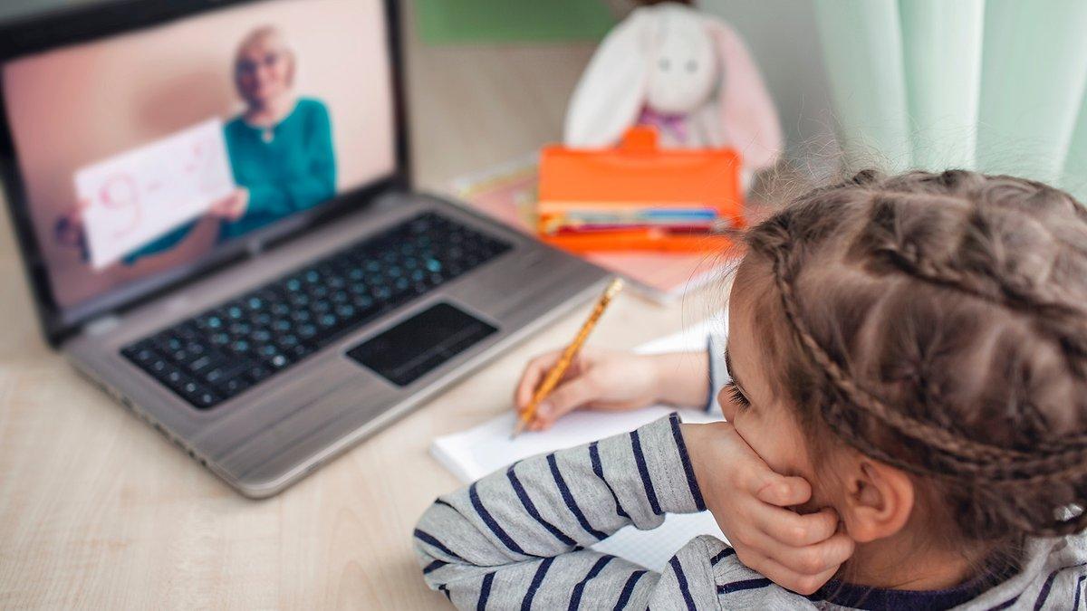 За перший місяць роботи платформою «Всеукраїнська школа онлайн» скористалися майже 5 млн разів